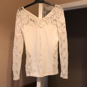 NWT! Free people top with beautiful lace detail